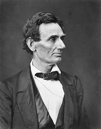 difference and similarities between abraham lincoln and jefferson davis Jefferson davis and abraham lincoln had more in common than one might have thought both were native kentuckians, for example, born only one year and ninety miles apart and in some ways, davis' task as commander in chief closely resembled lincoln's.