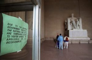 Lincoln Memorial closed because of 1995 government shutdown.