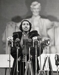 Marian Anderson sings at the Lincoln Memorial on April 9, 1939.